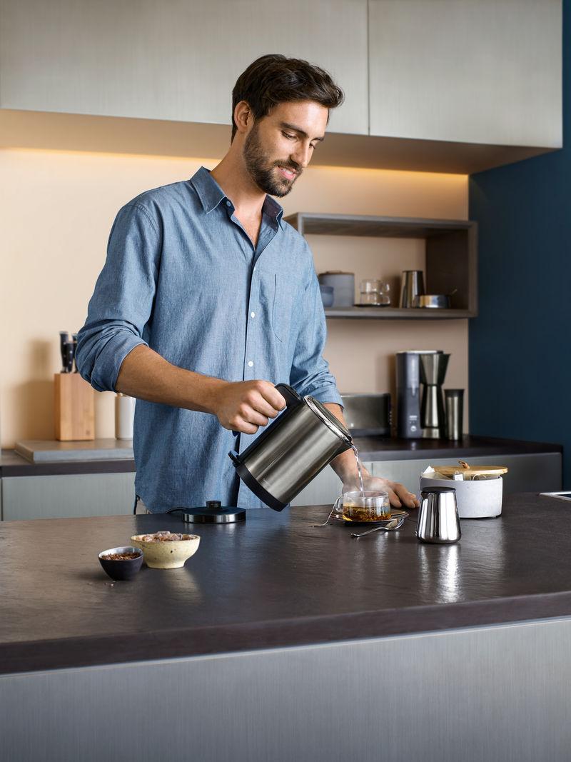 regularne odkamienianie czajnika WMF pomoże cieszyć się nieskazitelnym smakiem herbaty