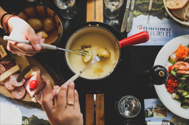 jak zrobić fondue serowe?
